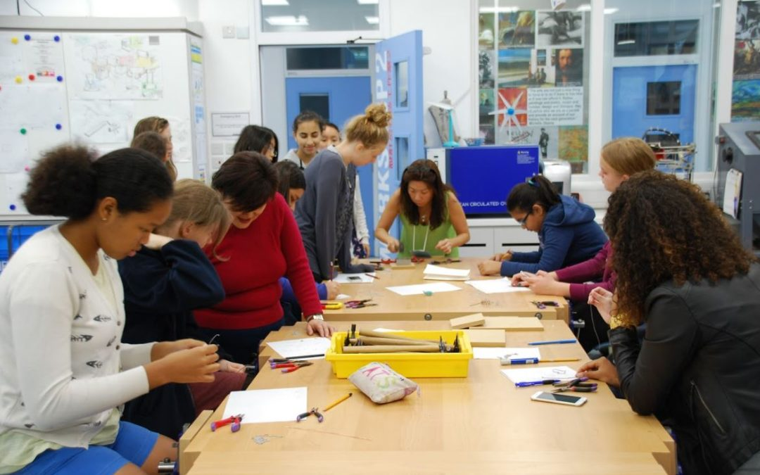 Asimi Art runs second full-day workshop for Horizons Week at West Island School